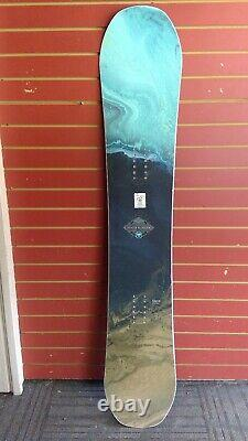 2019/20 Used Wms Never Summer Infinity Snowboard, 149 cm
