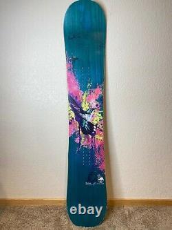 Arbor Flight Women`s Snowboard Size 143 cm