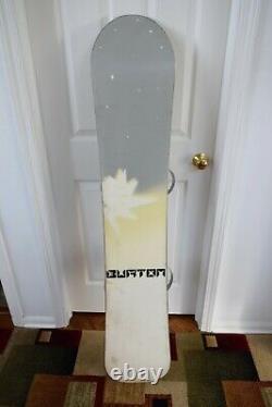 Burton Clash Snowboard Size 151 CM With Forum Large Bindings