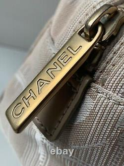 CHANEL New Travel Line Mini Boston Bag withNo 5 fragrance and card all. MINT
