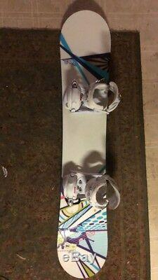 DIVISION 23 WENDY POWELL Snowboard Womens 150cm with DRAKE size 6-8 Bindings