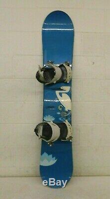 RIDE Solace 151cm Twin-Tip All-Mountain Snowboard withSalomon Vitane Bindings S/M