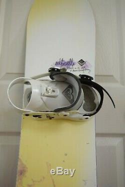 Roxy Silhouette Snowboard Size 147 CM With Roxy Medium Binding