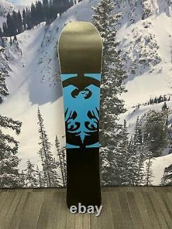 USED Never Summer Infinity 142cm 19/20 Women's Snowboard