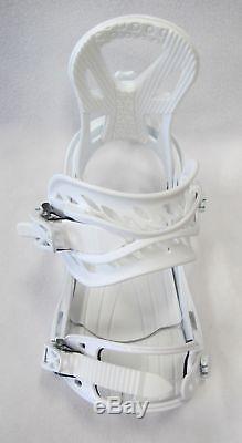 WOMENS 540 LUNA 150CM SNOWBOARD With MED (7-10) PRO BINDINGS +BURTON STICKER