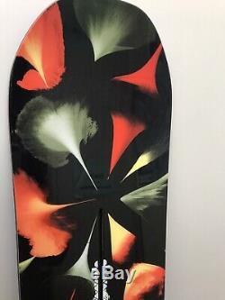 Women's Burton Deja Vu Flying V Snowboard, Size 149