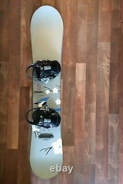 Women's Burton Snowboard With Burton Bindings 138cm (Ride Solace Series)